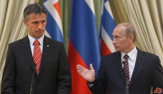 El primer ministro noruego, Stoltenberg, con Putin